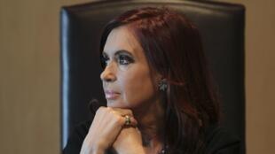 La presidenta argentina Cristina Fernández comparó hoy la crisis europea con el 'corralito' argentino.