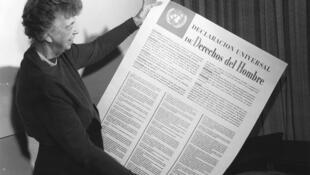 Eleanor Roosevelt, presidenta del comité de redacción de la Declaración Universal de los Derechos.