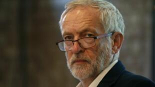 Jeremy Bernard Corbyn atual líder do Partido Trabalhista e líder da oposição na Câmara dos Comuns.