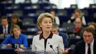 A presidente da Comissão Europeia, Ursula von der Leyen, apresenta projeto na quarta-feira (12) no Parlamento Europeu.