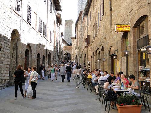 Parmi les Italiens qui n'ont pas renoncé aux congés, plus des trois quarts resteront en Italie. Ici à San Gimignano.