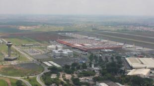 Vista aérea do complexo aeroportuário de Viracopos, em Campinas.