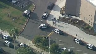 Novo tiroteiro deixa vários feridos em escola perto de Los Angeles.