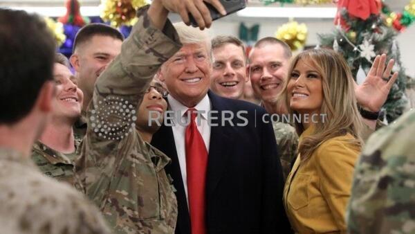 特朗普突訪伊拉克美軍基地,探望美軍士兵。2018-12-26