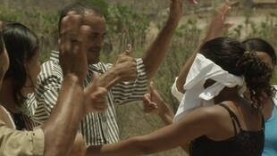 """O filme """"Jogos Dirigidos"""", de Jonathas de Andrade, abre se interessa por uma comunidade de surdos no interior do Piauí, que que criou uma língua própria."""