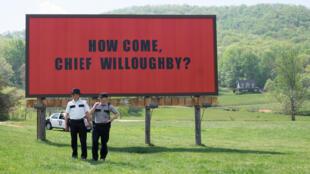Одной издевяти картин, претендующих наглавный «Оскар» залучшую работу 2017-го, сенсационно стала лента британца Мартина Макдоны «Три билборда награнице Эббинга, Миссури».