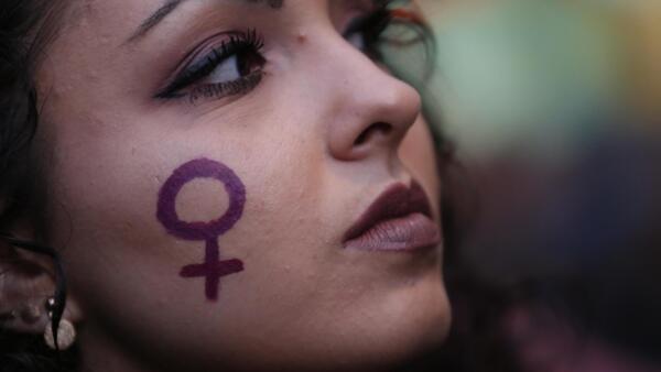 Novo aplicativo visa proteger principalmente mulheres e transexuais vítimas de assédio e violência nas ruas de Barcelona