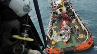 Lực lượng tìm kiếm Indonesia trong khu vực có mảnh vụ máy bay  QZ 8510 của AirAsia