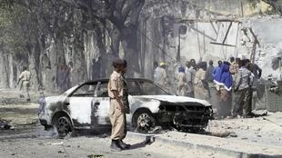 The street near the police training camp in Mogadishu after a car bomb exploded, 21 February 2011