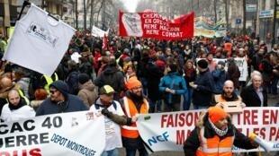法国反退休改革大罢工进入第25天