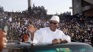 Ibrahim Boubacar Keita, l'un des favoris du scrutin, a réuni 30 000 personnes dans un stade pour son premier meeting, le 7 juillet 2013.