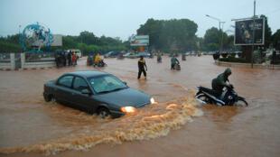 Ouagadougou, la capitale du Burkina Faso, sous les eaux, ici en 2009.