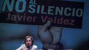 Mexican journalist Carmen Aristegui delivers a speech at the University de Occidente during the commemoration of the murder of journalist Javier Valdez Cardenas in Culiacan, Sinaloa State, Mexico, on May 15, 2018.
