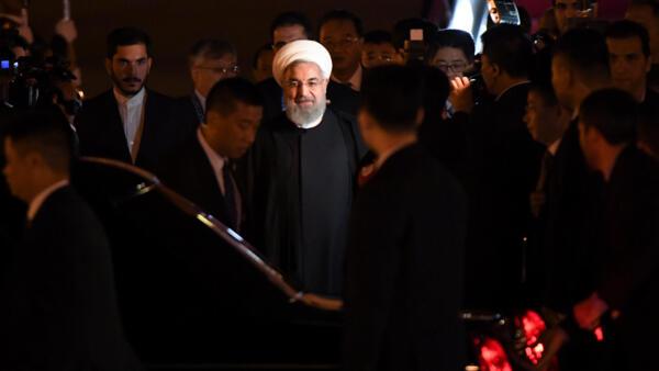 O presidente Hassan Rouhani chega à China