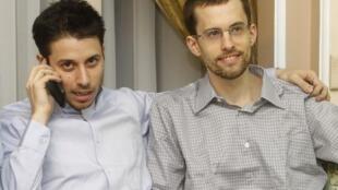 Os americanos Shane Bauer e Josh Fattal são libertados após dois anos presos no Irã