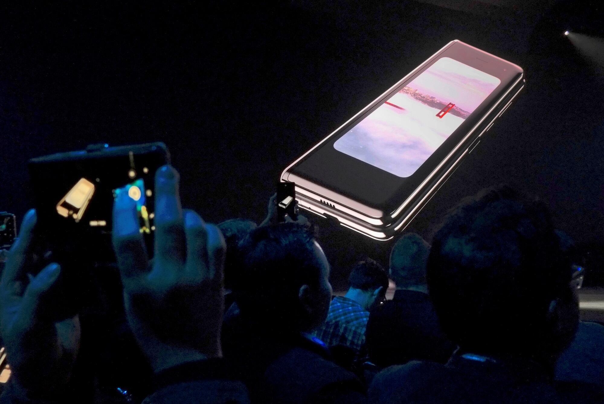 O Samsung Galaxy Fold, celular dobrável da Samsung