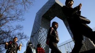 北京霧霾今天被風吹散去了