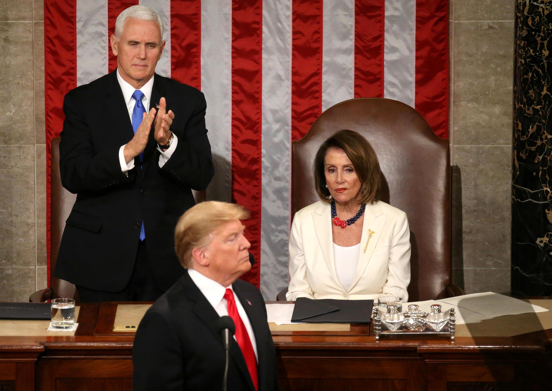 Shugaban Amurka Donald Trump, da mataimakin sa Mike Pence gaban shugabar Majalisar Dokokin kasar Nancy Pelosy