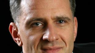 Yves Gautier est youtubeur avec sa chaîne QuestionEntretien dédié à la recherche d'emploi et est aussi coach emploi.