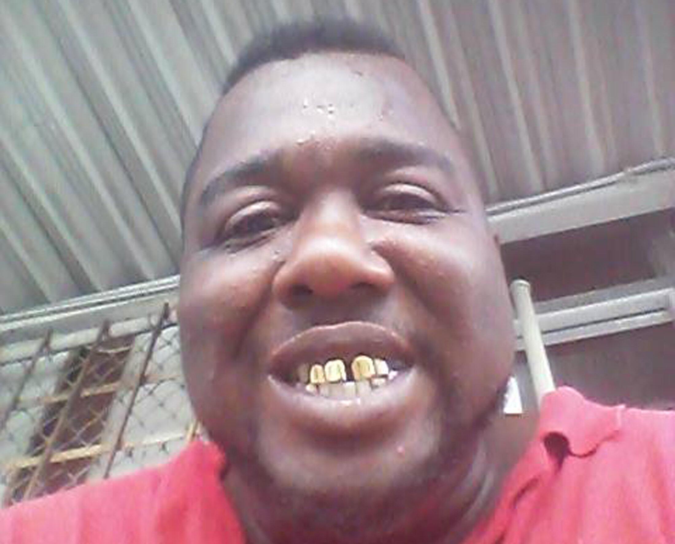 Alton Sterling, 37 tuổi đã bị cảnh sát da trắng hạ sát, trong đêm 04 rạng sáng ngày 05/07/2016, tại bang Louisana, Mỹ. Ảnh lấy từ tài khoản cá nhân mạng xã hội Facebook của nạn nhân.