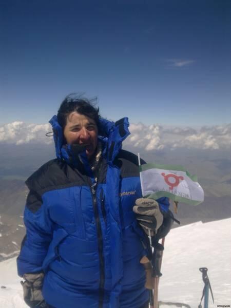 Лейла Албогачиева -первая горянка с Кавказа, покорившая величайшую вершину Эверест