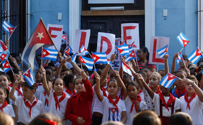 Cảnh tưởng niệm cố chủ tịch Fidel Castro tại một trường học ở La Habana. Ảnh ngày 24/11/2017.