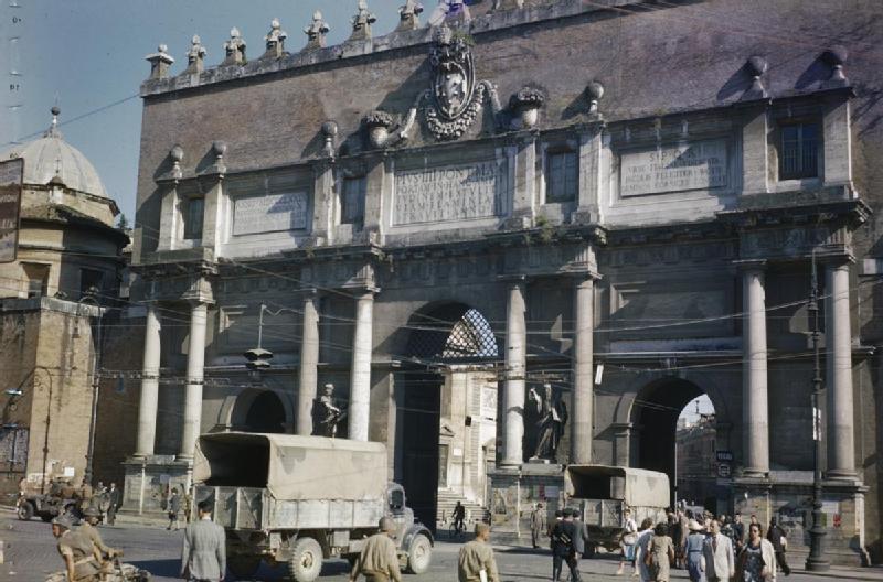 Troupes britanniques Piazza del Popolo en juin 1944
