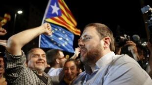 Сторонники независимости Каталонии празднуют победу на местных выборах, 28 сентября 2015 г.