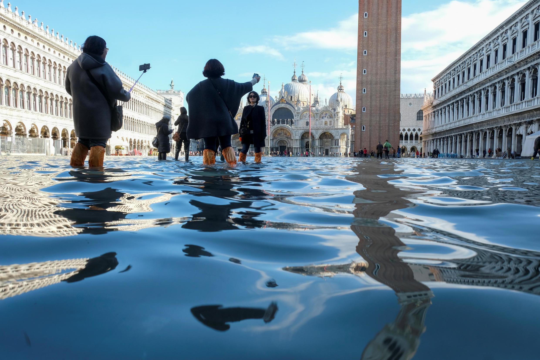 A cidade de Veneza tem nova maré alta; Pisa e Florença estão em alerta