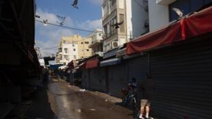 Un marché de Tel-Aviv fermé après les nouvelles restrictions décidées par le gouvernement israëlin pour lutter contre la propagation du coronavirus le 25 septembre 2020.