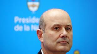 Sturzenegger será substituído pelo atual ministro das Finanças, Luis Caputo, braço direito do presidente Macri.