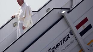 El papa Francisco llegó este 28 de abril al Cairo, Egipto.