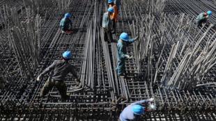 资料图片:云南昭通某地的高铁建设工地。图片摄于2018年4月20日