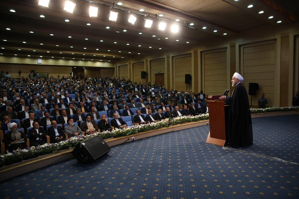 حسن روحانی رییس جمهوری اسلامی ایران، در جلسه مشترک دولت و مجلس شورای اسلامی. دوشنبه ۱۴ تیر/  ۴ ژوئن ٢٠۱۶