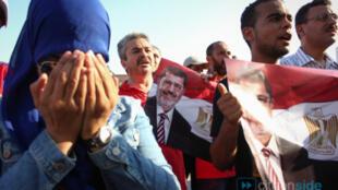 تونسیهای طرفدار النهضه به برکناری محمد مرسی اعتراض کردند