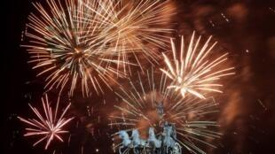 La fête s'est achevée sur un feu d'artifice, le 1er janvier 2013, porte de Brandebourg, dans la capitale allemande.