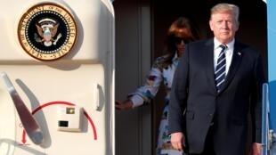 特朗普夫婦抵達日本