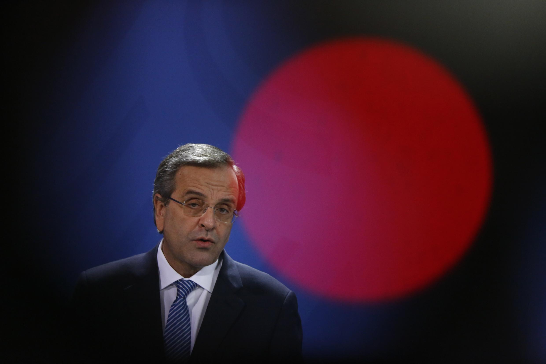 O primeiro-ministro grego Antonis Samaras promete sair dos planos de resgate