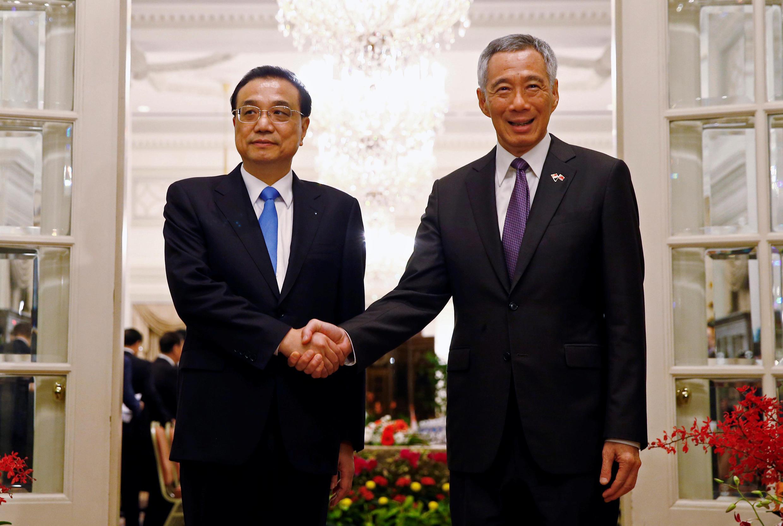 Thủ tướng Singapore Lý Hiển Long (P) tiếp đồng nhiệm Trung Quốc Lý Khắc Cường, Istana, Singapore, 12/11/2018