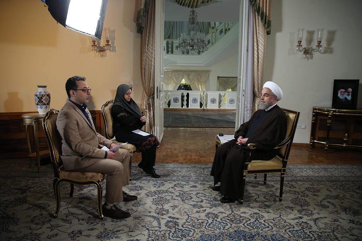 حسن روحانی، رئیس جمهوری اسلامی ایران، در گفتوگوی زنده تلویزیونی