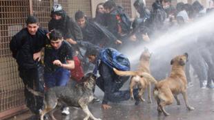 Protestas estudiantiles y represión policial en Chile, el 28 de julio de 2011.