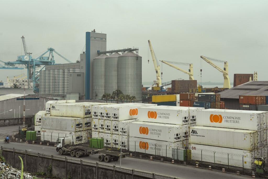 Une vue générale du port de Douala au Cameroun.