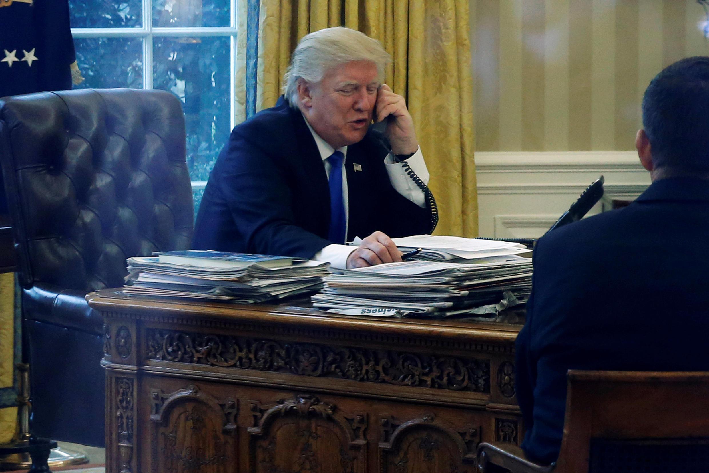 美國總統特朗普2017年1月28日在白宮與德國總理默克爾電話會談。