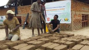 club rfi uvira_fabrication de briques 1