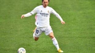 Dan wasan tsakiya na Real Madrid, Luca Modric.