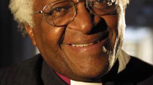 La Commission Vérité et Réconciliation en Afrique du Sud était présidée par l'ex archevêque du Cap, Desmond Tutu, prix Nobel de la paix en 1984.