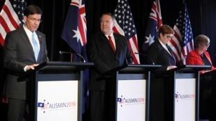 Bộ trưởng Quốc Phòng Mark Esper và ngoại trưởng Mỹ Mike Pompeo họp báo cùng các đồng nhiệm Úc tại Sydney ngày 04/08/2019.