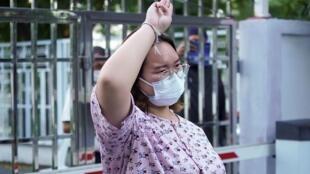 "Thaïlande Protestataire Panusaya Sithijirawattanaku dite  ""Rung"""