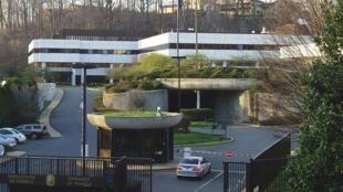 Na imagem, a embaixada da França em Washington, um dos alvos da espionagem americana, de acordo com a imprensa alemã.