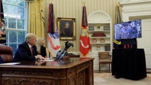 Donald Trump conversa com astronautas na ISS.